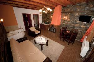 Suite 5, Siantsis Guesthouse, Kaimaktsalan, hotels, rooms, suites, guesthouses, accommodation, Palios Agios Athanasios